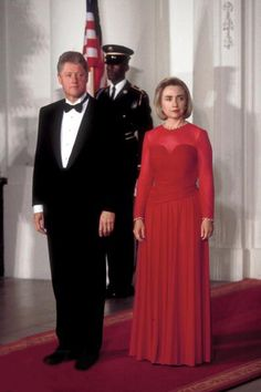 """William Jefferson """"Bill"""" Clinton, 42nd President of the United States from 1993 to 2001 and First Lady Hillary Rodham Clinton (currently serving as the 67th United States Secretary of State).  In 1971 she began dating Bill when they were students at Yale.  They began living together that year and were married on October 11, 1975."""