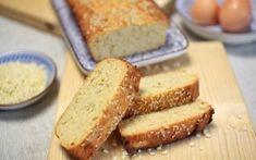 Paleo Kokos-Mandel-Brot - Zwar gibt es mittlerweile diverse fertige Paleo Brotbackmischungen, aber selbst gemacht schmeckt doch irgendwie noch immer am besten, oder? ;)