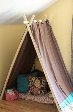 DIY Easy Kids' Tent / Reading Nook--> playroom or basement. Christmas Gifts For Boys, Handmade Christmas Gifts, Christmas Diy, Handmade Gifts, Holiday Gifts, Teepee Diy, Wood Teepee, Diy Zelt, Diy For Kids