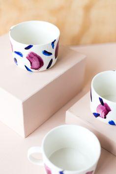 DIY Brush Painted Decorated Coffee Mugs | Fall For DIY