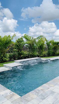 Backyard Pool Landscaping, Backyard Pool Designs, Small Backyard Pools, Swimming Pools Backyard, Swimming Pool Designs, Outdoor Pool, Backyard Ideas, Swimming Pool Architecture, Swimming Pool Fountains