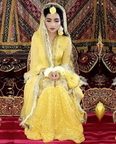 Pakistani mehndi dress - Tere naam ki koi dhadak hai na 🎶 Pakistani Mehndi Dress, Bridal Mehndi Dresses, Pakistani Wedding Outfits, Pakistani Bridal Dresses, Pakistani Wedding Dresses, Bridal Outfits, Bridal Lehenga, Indian Dresses, Mehendi