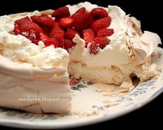Best pavlova recipe I've found! Murray kitchen tested :):) !