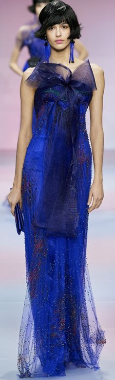 Armani Prive spring 2020 Women's Runway Fashion, Blue Fashion, Indian Fashion, Fashion Fashion, Winter Typ, Textured Carpet, Armani Prive, Italian Style, Shades Of Blue