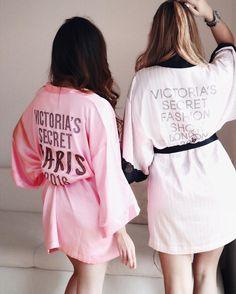 Victoria's Secret Fashion Show 2016 #paris #vs #victoriassecret #girls #bestfriends #girlpower #lauriilyy #lymademoiselle #citytalkly #lyhoang