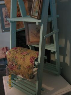 Ladder display for quilts