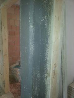 Posa di aggrappante su cemento armato per la messa in opera dell'intonaco