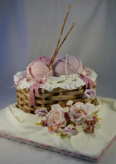 knitting basket cake by ♥Dot Klerck Gorgeous Cakes, Pretty Cakes, Cute Cakes, Amazing Cakes, Fondant Cakes, Cupcake Cakes, Cake Original, Knitting Cake, Sewing Cake