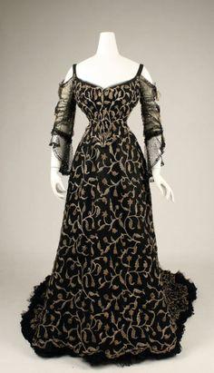 like the sleeves. 1904