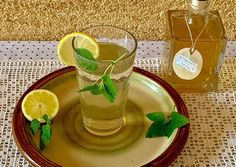 Citromfű szörp recept foto Ginger Juice, Food And Drink, Pudding, Canning, Drinks, Sweet, Desserts, Kitchen, Mint