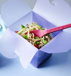 A lunchbox you can make in 10 minutes that you'll always look forward to - sesame noodles with veg and seeds.
