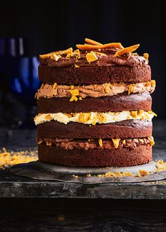 75 minutes · Vegetarian · Serves 12 · How to make Honeycomb Cake With Chocolate Ganache Almond Recipes, Baking Recipes, Cake Recipes, Dessert Recipes, Kitchen Recipes, Milk Chocolate Ganache, Gluten Free Chocolate, Coconut Chocolate, Honeycomb Cake