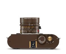 lenny kravitz's second collaboration with leica is a vegan snakeskin camera for nomads designboom Leica M, Leica Camera, Nikon Dslr, Camera Gear, Film Camera, Gopro Photography, Landscape Photography, Portrait Photography, Wedding Photography