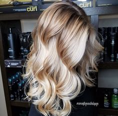Natural golden blonde balayage, long hair, wavy hair, natural curls Source by My Hairstyle, Pretty Hairstyles, Curly Hair Styles, Natural Hair Styles, Natural Curls, Amy, Brown Blonde Hair, Golden Blonde, Blonde Long Hair Cuts