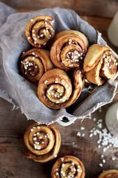 Zimtschnecken: Schwedische Kanelbullar - My list of the most healthy food recipes Good Healthy Recipes, Real Food Recipes, Snack Recipes, Dessert Recipes, Yummy Food, Desserts, Vegan Cinnamon Rolls, Cinnamon Roll Cookies, Cinnabon