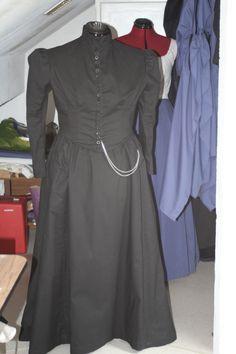 Une robe de jour toute simple de la fin de période victorienne / A day dress pretty simple, end of victorien era
