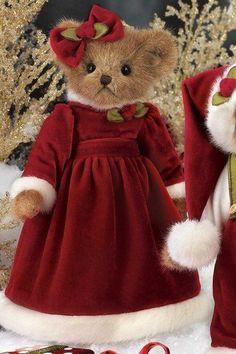 Bearington Bear Holly B. Jolly