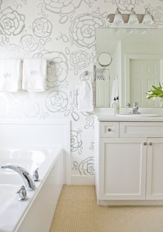 Hand painted wall by the Boxwood Clippings blog.