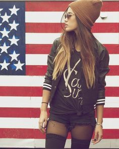 Tumblr grl. Love American flag backdrops for photos!