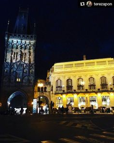 #Repost @terezapon Powder Tower Prague  #praha #prague #czechrepublic #visitcz #night #praguebynight #nightprague #onmyway #goinghome #hometown #capitalcity #lovemycity #tower #prasnabrana #obecnidum #municipalhouse #architecture #stovezatapraha #weekend #saturday #summerisover #citycenter #instalike #instagood #igerscz #like4like #l4l