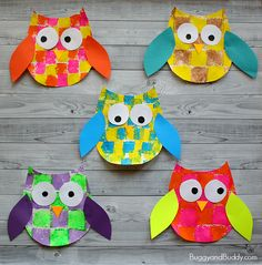 Use our free owl template to make this colorful, sponge-painted owl craft. This art project is perfect for fall and can be done with preschoolers, kindergarteners, and on up! Follow our Fall Crafts and Learning Pinterest board! We had so much fun making all these adorable owls for autumn! With just a little, …