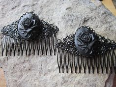 VICTORIAN PAIR OF PURPLE ROSE ON BLACK CAMEO BRONZE FILIGREE HAIR COMBS