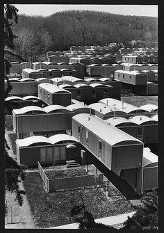Oriental Masonic Gardens - Original Photo After Construction - Paul Rudolph Louis Kahn, Philip Johnson, Factory Built Homes, Paul Rudolph, Heritage Foundation, Fort Walton Beach, Construction Drawings, Contemporary Photographers, Urban Planning