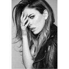 Blanca Suarez Girl Inspiration, Photoshoot Inspiration, Glamour Photography, Portrait Photography, Most Beautiful Women, Beautiful People, Poses Modelo, Spanish Actress, Modeling Tips