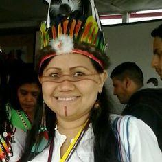 Francinara Soares Baré, a Nara Baré, de 39 anos, é a primeira mulher a assumir a liderança da Coordenação das Organizações Indígenas da Amazônia Brasileira (Coiab), a maior organização indígena do Brasil, criada há 28 anos. A eleição aconteceu em 30 de agosto na aldeia do Alto Rio Guamá, no Pará, e reuniu cerca de 600 lideranças indígenas de toda a Amazônia brasileira.