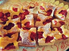 Epres kevert süti😊 Waffles, French Toast, Breakfast, Food, Morning Coffee, Essen, Waffle, Meals, Yemek