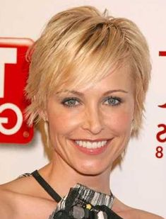 Short Hairstyle for Ladies for fine hair blond