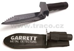 The Garrett Edge Digger is constructed using strong carbon steel. The blade is equipped with cutting edge teeth and has a non-slip blade guard with comfortable rubber handle. Garrett carry sheath for belt mount use included. Metal Detectors For Sale, Garrett Metal Detectors, Whites Metal Detectors, Metal Detecting Tips, Metal Detector Reviews, Digging Tools, Gold Prospecting, Ebay Auction, Juice