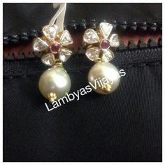 Finding The Best Bridal Jewelry For The Wedding – MyJewelryLove Small Earrings, Stud Earrings, Diamond Earrings, Bridal Jewelry, Beaded Jewelry, Gold Jewellery, Traditional Earrings, Gold Earrings Designs, India Jewelry