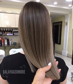 Amazing seamless work best blend ______________________________________________________ •••••••••••••••Balayageombre •••••••••••••••••• >>>>>#balayage #balayageombre #balayagehighlights #babylights #hairpainting #balayagehair #balayagedandpainted #coloredhair #colormelt #balayageartists #colorhair #goodhair #hairdressing #haircolor #hairstylist #hairdresser #summerhair #beautylaunchpad #americansalon #behindthechair #modernsalon #btcpics #hairbrained #ombrehair #newhair #hotonbeauty…