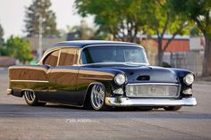 """lowfastfamous: """"Hot Wheels - Sweet as 55 Chevrolet from rocking that perfect stance via , bad ass cruiser for sure! Chevrolet Bel Air, 1955 Chevrolet, 1955 Chevy, Chevy Ssr, Chevy Muscle Cars, Sweet Cars, Us Cars, American Muscle Cars, Custom Cars"""