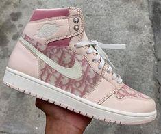 Mode / Streetstyle / Streetwear / Sneakers / Popkultur - S Dr Shoes, Nike Air Shoes, Hype Shoes, Me Too Shoes, Nike Air Jordans, Nike Jordans Women, Swag Shoes, Air Force Jordans, Cute Jordans