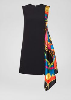 An accent piece - this crew neck, sleeveless dress features an asymmetric silk twill insert on the side boasting the Barocco Rodeo print. The seasonal motif features a central Baroque letter V surrounded by western elements. Casual Dresses, Short Dresses, Fashion Dresses, Versace Dress, Stylish Dress Designs, Scarf Dress, Mode Chic, African Print Fashion, Facon