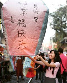 Thông tin mới nhất từ giám đốc Văn phòng Du lịch Đài Loan tại Kuala Lumpur cho biết, du khách từ các nước châu Á sẽ được miễn phí thủ tục cấp visa nhập cảnh Đài Loan trong 7 ngày nếu đăng ký theo nhóm từ 5 người trở lên.   Xem thêm: Du lịch Đài Loan  Đài Loan miễn phí thủ tục cấp visa nhập cảnh...