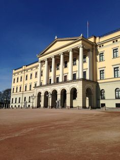 See 598 photos and 29 tips from 4009 visitors to Det kongelige slott. Service in the Palace Chapel on. Royal Palace, Oslo, Nightlife, Norway, Entertainment, Mansions, House Styles, Travel, Europe