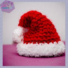 In questo tutorial, come fare il cappello di babbo natale all'uncinetto, amigurumi.