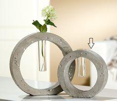 Florero redondo de cristal y hormigón - Round vase of glass and concrete - Support à éprouvette rond
