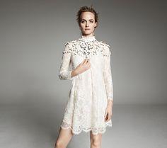 Robe en dentelle et collier plastron H&M Conscious exclusive printemps 2014