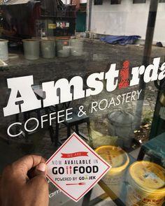Dalam beberapa hari kedepan produk Amstirdam termasuk kopi sejuk dan roast beans sudah dapat dipesan melalui aplikasi gojek. #kopiamstirdam #kopimalang