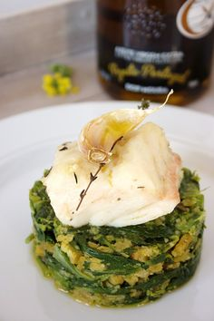 Codfish confit with breadcrumbs and greens - bacalhau - Sardline Cod Recipes, Clean Recipes, Fish Recipes, Seafood Recipes, Cooking Recipes, Portuguese Recipes, Portuguese Food, Sardine Recipes, Confort Food