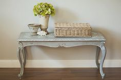 convert table glass to wood/slats, stencil top - Grey & White Chalk Paint Furniture, Furniture Projects, Furniture Makeover, Coffee Table Makeover, Coffee Table Styling, Hamptons Style Homes, Wood Slats, Glass Table, Queen Anne