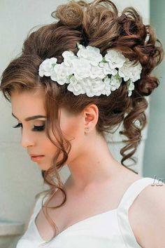 Gorgeous Wedding Hairstyles for Medium Hair ★ See more: http://lovehairstyles.com/wedding-hairstyles-for-medium-hair/