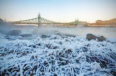 Ilyen volt a Duna jégzajlása fotósaink szemével – képgaléria | WeLoveBudapest.com Budapest, Ice, Photography, Outdoor, Outdoors, Fotografie, Photography Business, Photo Shoot, Ice Cream