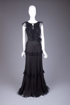 Goldstein Museum of Design 2000s Fashion, Goth, Victorian, Dresses, Design, Style, Oscar De La Renta, Gothic, Vestidos