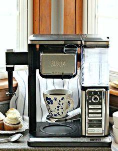 ninja coffee bar recipes photo Coffee Mix, Coffee Latte, Best Coffee, Coffee Drinks, Ninja Coffee Bar Recipes, Latte Maker, Coffee Maker Machine, Uses For Coffee Grounds, Iced Latte