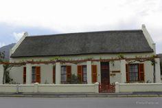 De Oude Kelder is a lovely old dwelling in the Main Road in Montagu, Western Cape, RSA.